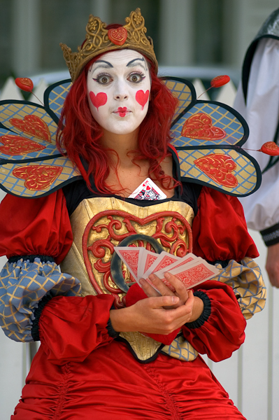 The 'Queen of Hearts', from the 2007 World Buskers' Festival.